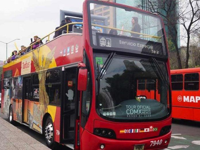 ¿Te imaginas disfrutar una cerveza mientras contemplas las calles de la CDMX? En el Turibus puede hacer tu sueño realidad.