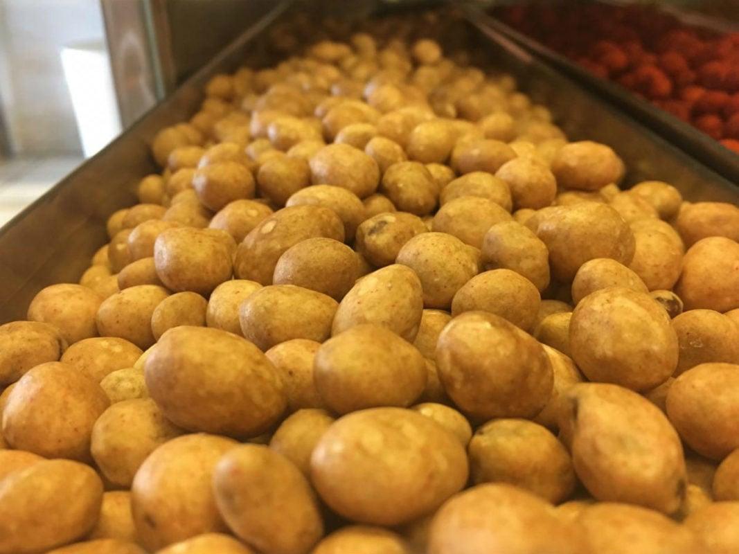 El nacimiento en México de los cacahuates japoneses y la historia de espías que esconde