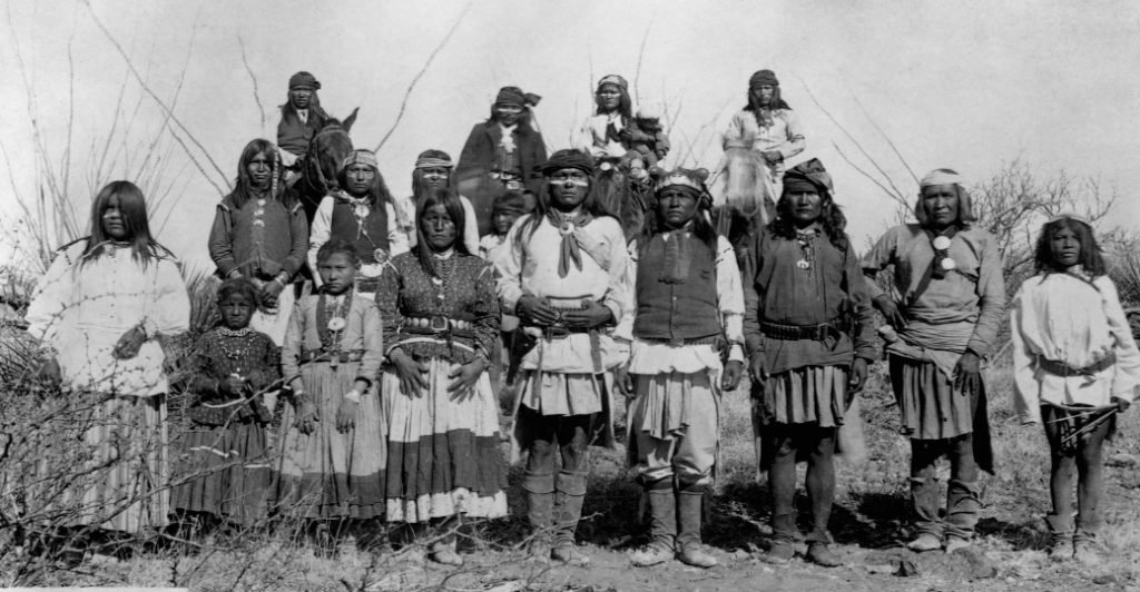 Apaches, los indígenas que fueron oprimidos por México y Estados Unidos